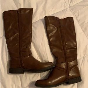 Leather boots from Madixe